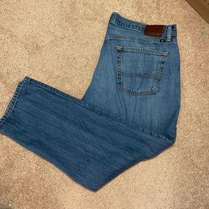 Lucky brand 221 original straight Jean size 40